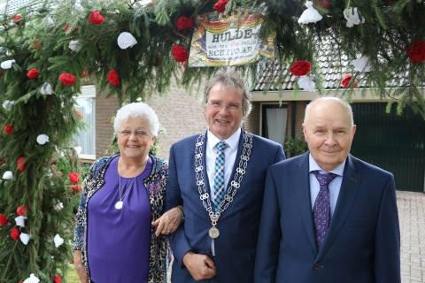 Echtpaar Van Rossum uit Nieuw Heeten zestig jaar getrouwd